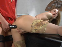Rosa and Regina crazy anal lesbian action
