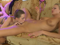 Kitty and Dolly red hot lesbian action